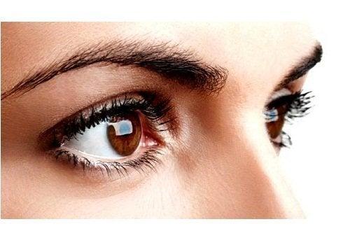 12 съвета за красиви и изящни вежди