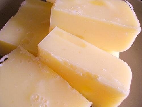 за да си приготвите домашен прах за пране ви трябва натурален сапун