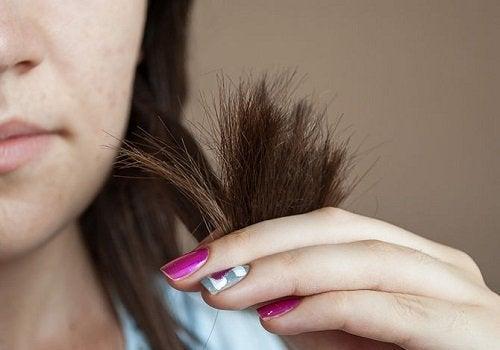 ако не изправяте косата си правилно краищата й ще изсъхнат и ще се изтощят