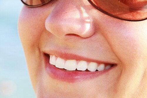 зелените ябълки се грижат и за здравето на зъбите