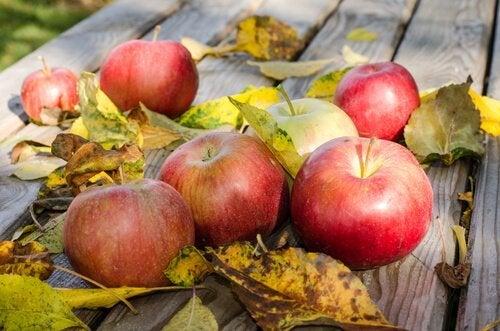 здравословното хранене е важно за облекчаване на болката при разширени вени