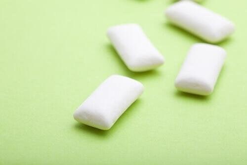 дъвката ще ви помогне да не гризете ноктите си