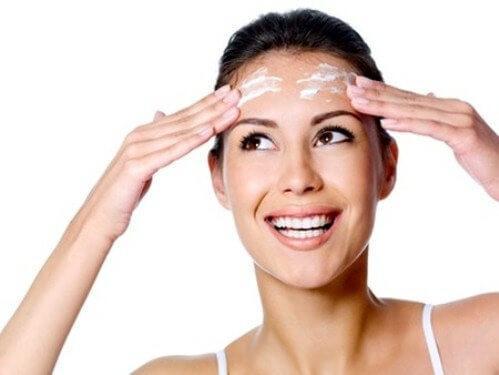редовното почистване на лицето от грим ще го направи по-красиво