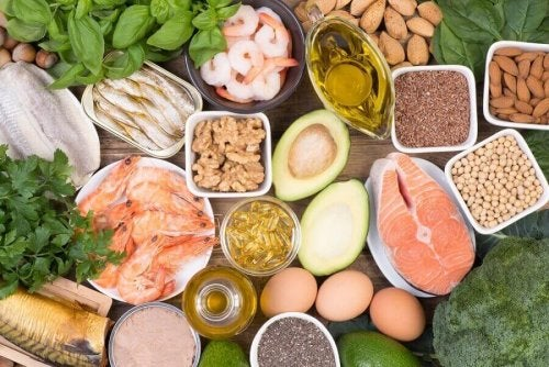 редица храни спомагат отслабването по време на менопаузата