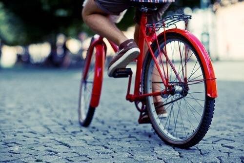 карането на колело е друг начин за справяне с появата на разширени вени