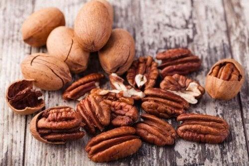 яжте повече орехи, за да да изгубите коремните мазнини без да гладувате