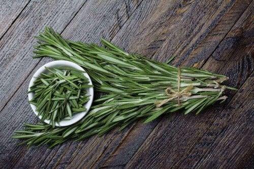 Използвайте пулверизатори с етерични масла против акарите