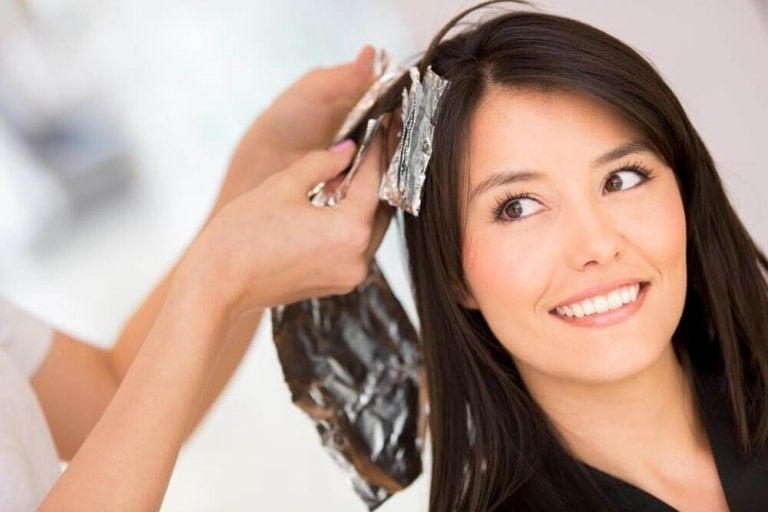 5 домашни решения за премахване на боята за коса