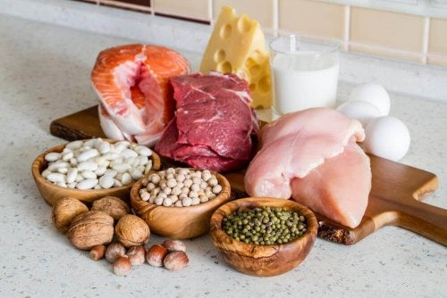 храните богати на протеини улесняват отслабването през менопаузата