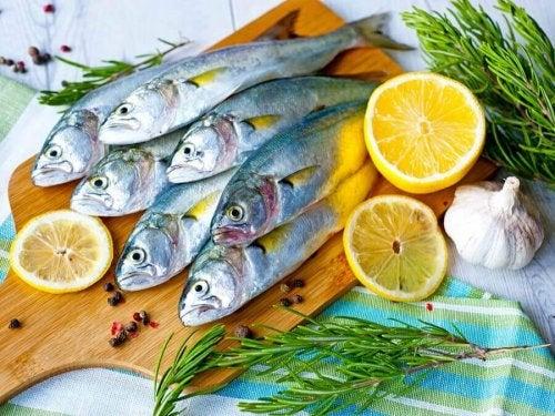 през последния ден от ябълковата диета можете да хапвате и риба