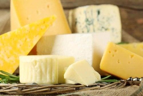 Швейцарското сирене е адна от съставките на тези вкусни сандвичи Монте Кристо