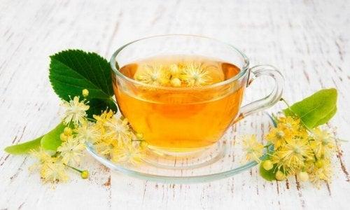 Направете си билков чай от липов цвят и се радвайте на по-спокоен и пълноценен сън.