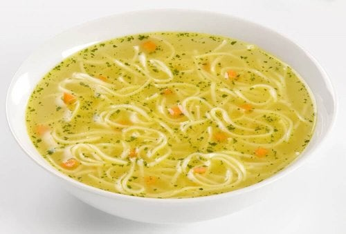 Пилешката супа за лечение на хроничната умора.