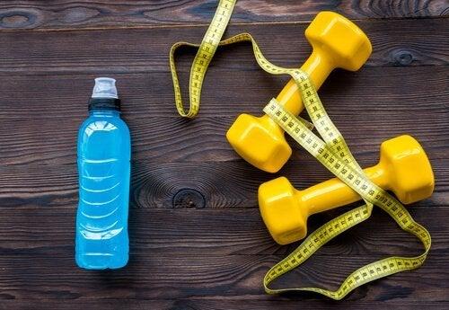 Редовното спортуване ще ви помогне да пиете повече вода.