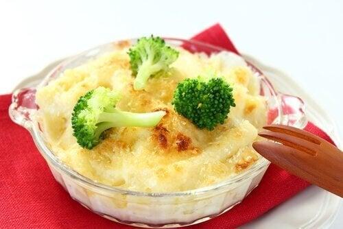 вкусни рецепти с броколи - броколи със сирене