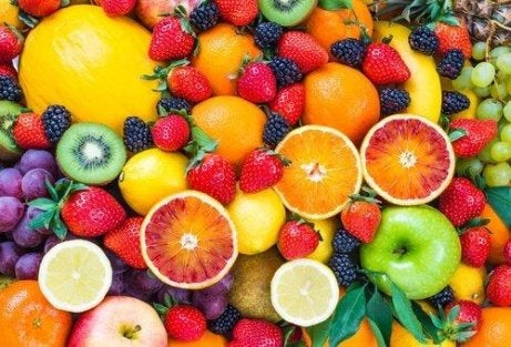 Докато спазвате диетата със супа от зеле може да ядете определени плодове.