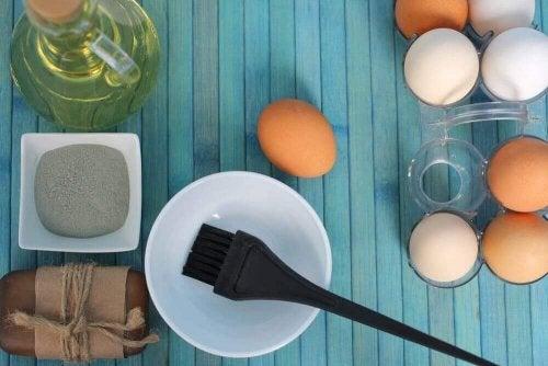 3 домашни средства с яйчни жълтъци при суха коса