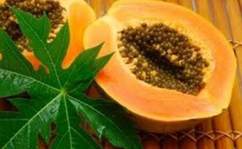 Чаят от листа на папая е чудесно средство за повишаване броя на тромбоцитите.