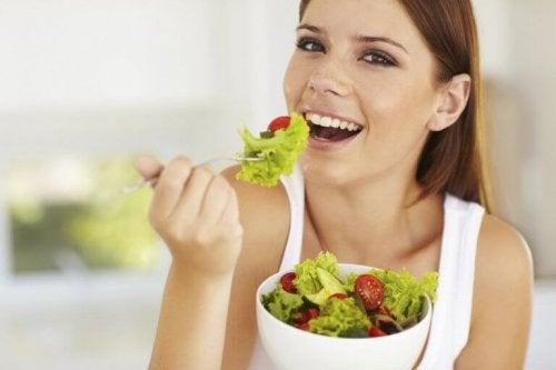 Здравословното хранене е важен фактор за красивата, гладка и здрава кожа.