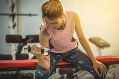 физическите упражнения са важни при провеждане на лечение на разширените вени