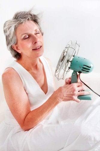 Ефикасни натурални средства за справяне с менопаузата