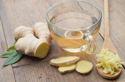 чай от джинджифил срещу досадните киселини