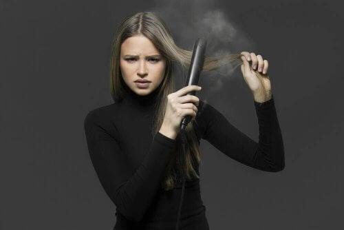 Четири начина за изправяне на косата по естествен начин без преса