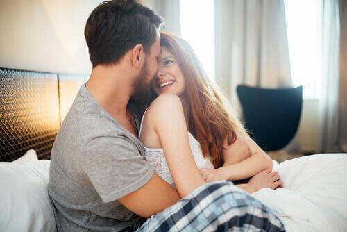за да имате пълноценен сексуален живот, ухажвайте партньра си романтиката ще свърши останалото