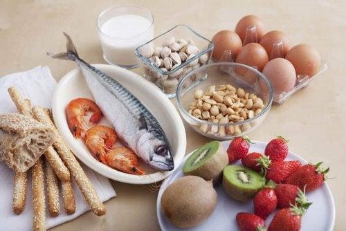 хранителните алергени кат ориба, млечни и ядки следва да се избягват от хората, склонни към развиване на алергии