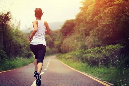 Редовните физически упражнения облекчават хипотиреоидизъм