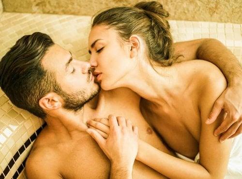 Воден секс - възможно ли е да се забременее?