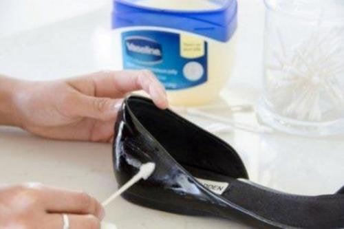 как да почиствате обувките си - лачени обувки