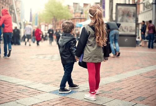 Научете децата си какво да правят, когато се изгубят