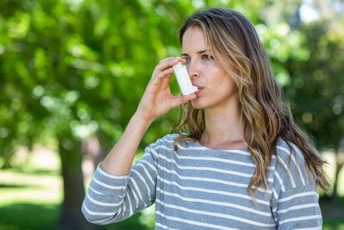 Можете ли да контролирате астмата и симптомите й?