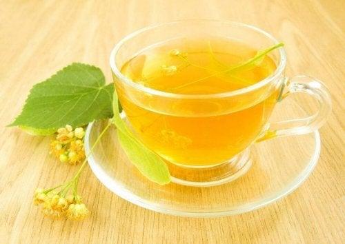 за по-добро кръвообращение можете да си направите чаша липов чай