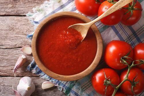 кюфтенца от патладжани с доматен сос