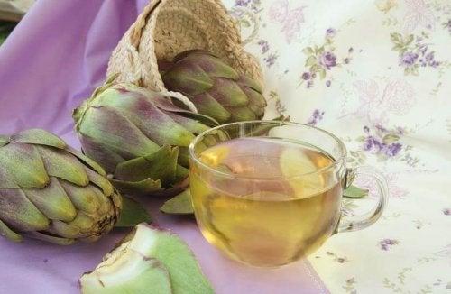 чай от артишок за намаляване на пикочната киселина