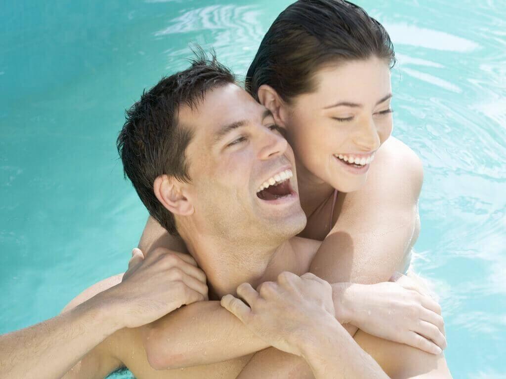 Правене на секс в плувен басейн - едно нестандартно преживяване