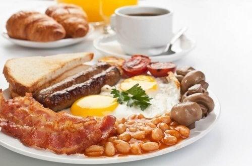 Осигурете си повече протеини чрез закуската.