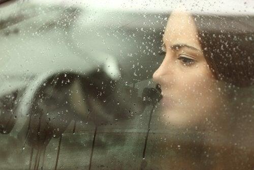 тъгата и болката няма да ви помогнат да започнете отначало
