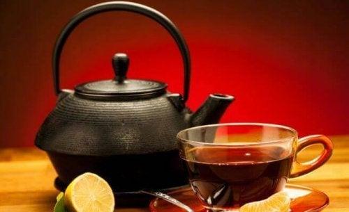 антиоксидантен черен чай с лимон
