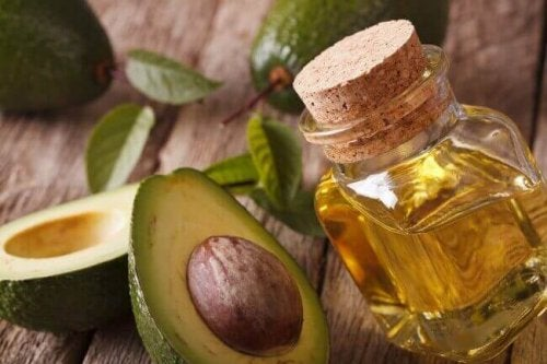 Срещу целулита: авокадо и зехтин в шишенце