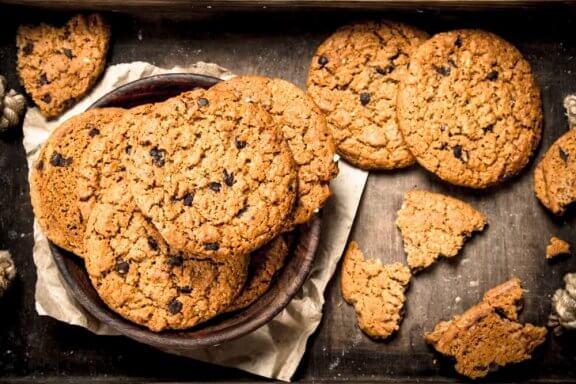 Как да си направите безквасни бисквити с овесени ядки: три рецепти