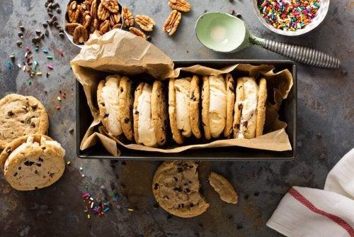 5 бисквитки с ядки