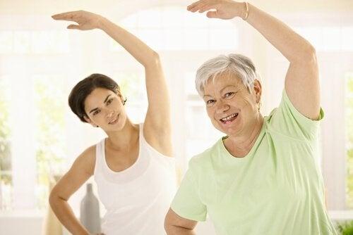 Редовната физическа активност е важна за предпазване от нежеланото напълняване с възрастта.
