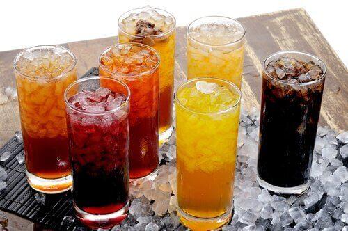 Газираните напитки вероятно са сред канцерогенните продукти