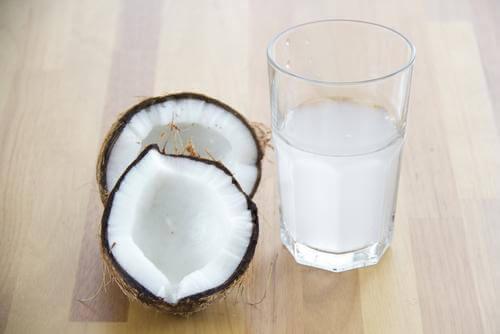 Кокосова вода срещу кофеинова абстиненция