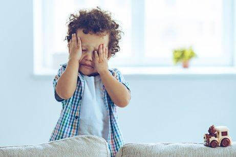 Децата не умеят да контролират емоциите си в ранна възраст.