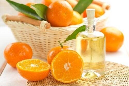 Пригответе си сами натурално масло за защита на косата от слънцето.