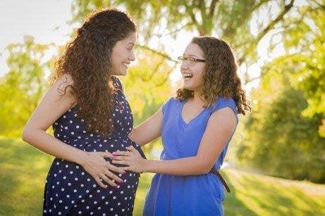 Правилната подготовка на децата за посрещане на новия член в семейството е много важна.